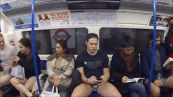 Tutti in metro in mutande, e' il 'No pants subway ride'