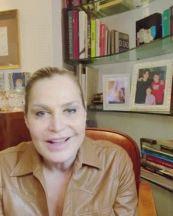 Simona Ventura compie 56 anni, i teneri auguri di Giovanni Terzi e Bettarini