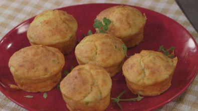 Muffins alle erbe con pecorino toscano dop