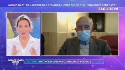 Nonno Basilio vaccinato a 103 anni, l'odio sui social: ''Una dose sprecata''