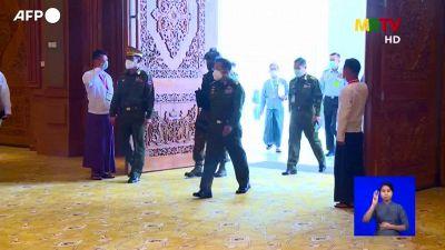 La giunta birmana si arrocca, altri due anni d'emergenza