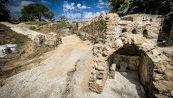 Pompei, la misteriosa scoperta di una tomba emersa dagli scavi