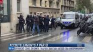 Breaking News delle 16.00 | Accoltellamento a Parigi