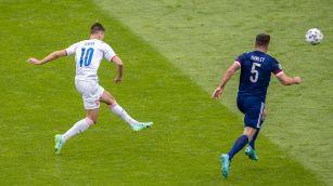 Euro 2020: la sequenza del golazo da 51 metri di Schick