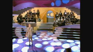 "Catherine Spaak canta ""Tous Les Garçons Et Les Filles"" a Mike canta Vip del 1991"