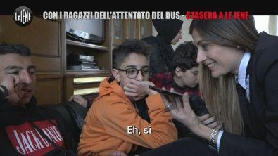 """Terrore sul bus: il ragazzo gridava """"Dio ti amo"""""""