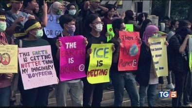 """In marcia per il clima """"Non c'è un pianeta B"""""""