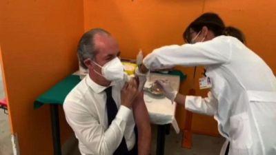 Vaccini, Zaia: in Veneto non facciamo 'Astraday' o 'Pfizerday'