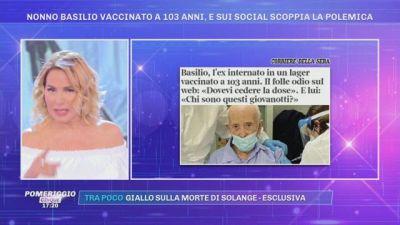 Nonno Basilio vaccinato a 103 anni