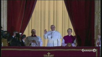 """Il Papa è assediato, pregate"""