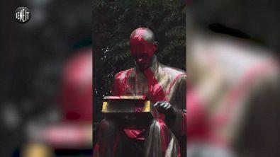 Indro Montanelli, imbrattata la statua da un collettivo studentesco