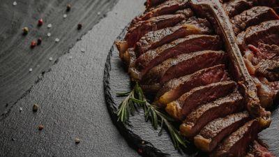 Manzo sintetico: stampata la bistecca più costosa al mondo