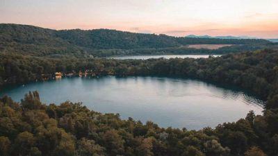 I laghi di Monticchio, specchi d'acqua nel panorama del Vulture