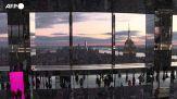 """A New York spopola """"Air"""", la piattaforma trasparente a oltre 300 metri di altezza"""
