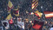 Manchester United-Roma, delirio di tifosi a Trigoria alla partenza della squadra