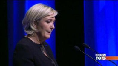 """Le Pen lancia la sfida """"fuori da euro e nato"""""""