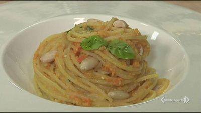 Spaghetti con pesto di carote