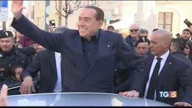 """Berlusconi: """"Mi candido stop a questo governo"""""""