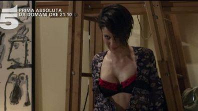 Amore pensaci tu, domani sera su Canale 5