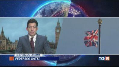Brexit, intesa e bufera e May perde 4 ministri