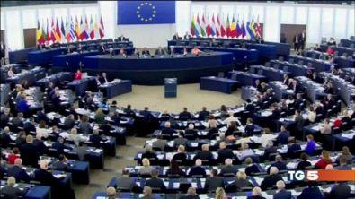 L'UE: l'Italia rischia, non rispetta il patto