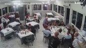 Rapina al ristorante a Napoli: armi puntate anche contro i bambini