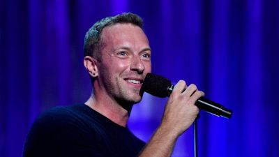 Chris Martin pronto a sposare Dakota Johnson