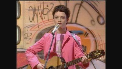 "Carmen Consoli canta ""Amore di plastica"" a Mai dire Gol 2000"