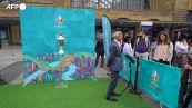 Euro 2020, il trofeo è arrivato a Londra