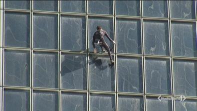 A Parigi è tornato Spiderman