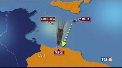 Migranti dirottano nave diretti a Malta