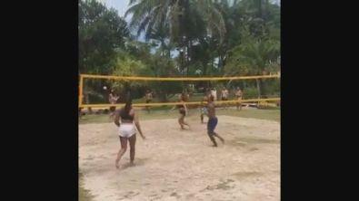 Neymar, spettacolo a footvolley