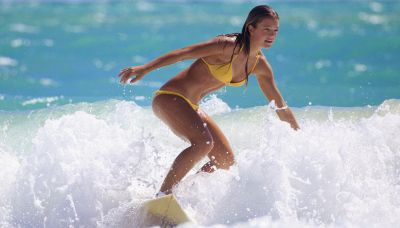 Fa surf per otto ore: l'incredibile record