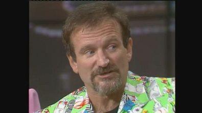Robin Williams e un uomo che si crede un alieno al Maurizio Costanzo Show
