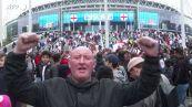"""Europei, gli inglesi festeggiano fuori da Wembley: """"Football's coming home"""""""