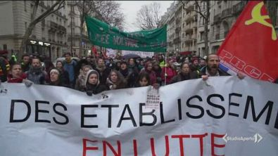 Francia, paralisi e sabotaggi