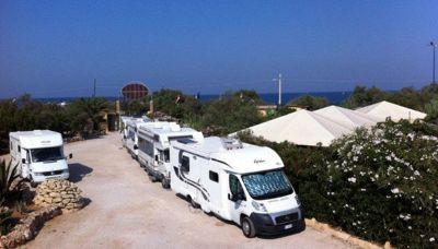 Camping in Salento, la strana storia dei turisti che aspettano la fine del lockdown