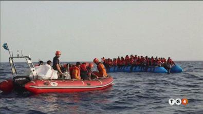 Lampedusa è sotto assedio