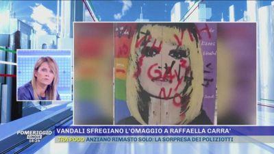 Barcellona: vandali sfregiano l'omaggio a Raffaella Carrà
