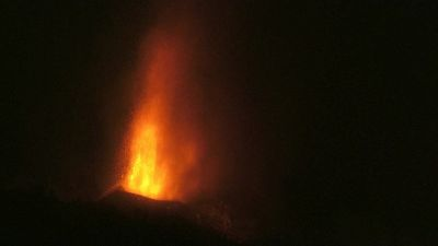 Erutta un vulcano alle Canarie, 2.000 evacuati