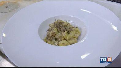 Tortellini bolognesi con fegato d'oca e crema di parmigiano