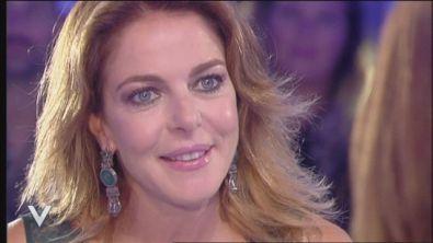 """""""9 lune e mezza"""" con Claudia Gerini"""