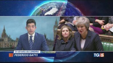 Brexit ore cruciali, May si gioca tutto