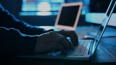 Phishing, boom durante pandemia Covid: come evitare le truffe