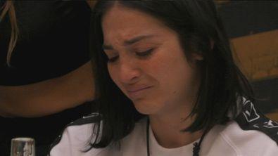 Le lacrime di Serena per il fidanzato