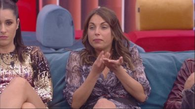 Francesca esplode di gelosia contro Martina
