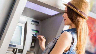 Come risparmiare in viaggio e mettere al sicuro il denaro
