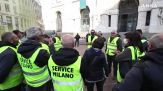 Milano, sciopero nazionale dei taxi: corteo delle auto bianche in centro