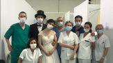 Si sposano, ma non sono vaccinati: lo strano regalo di nozze
