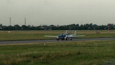 Primo volo interurbano per AirCar, la futuristica auto volante